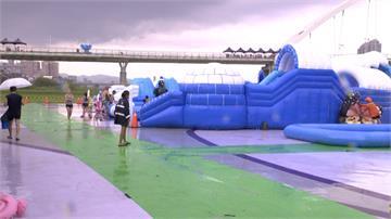 炎炎夏日玩水消暑 新月水道節假日遊客破2千