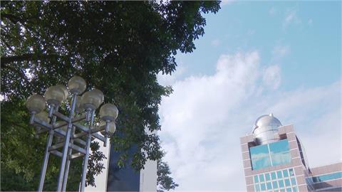 紫色雲塊要來了?鄭明典曝「強降雨天氣系統」活躍  網:快來中南部!