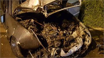 好家在!新竹湖口賓士車自撞起火駕駛、孕婦乘客及時逃未傷及胎兒