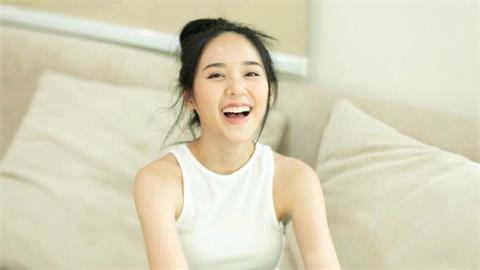 《薩滿》瘋魔女主年僅21歲!私照「陽光飄仙氣」網驚豔:戀愛了!