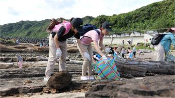 搶救海洋動起來!淨灘又淨海 銀行號召員工打破世界紀錄