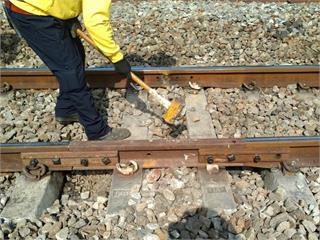 快新聞/新市到永康站出現19公分斷軌 台鐵:例行巡查時未有異常