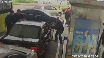 加油站遇警包夾竟開車衝撞 員警連開4槍逮人