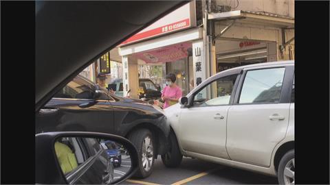 宜蘭紅綠燈停電釀車禍 疫情記者會遇停電被迫草草結束