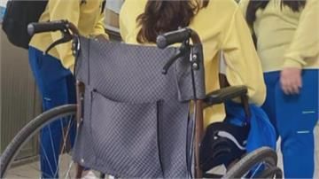 校慶趣味賽溜充氣滑梯 學生腳扭傷.臉著地