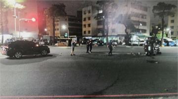 休旅車「跨車道」迴轉 吉普車撞上當場翻覆