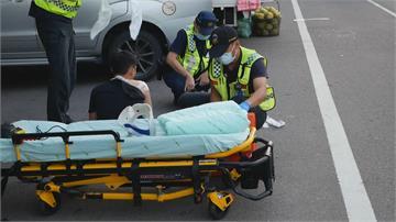 砰!台中騎士衝出巷弄 婦騎自行車遭撞全身是血