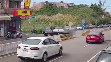 馬路如虎口!宜蘭騎士遭撞骨折 竹東女駕駛迴轉遭撞飛