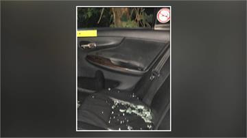 計程車車窗遭敲破 車內財物全被搜刮