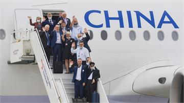 華春瑩酸「韋德齊坐中國飛機?」 羅致政:做功德做到墓仔埔了!