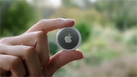 3C/傳聞已久終現身!蘋果 Apple AirTag 藍牙追蹤器 990 元幫你追蹤各種物品與情人位置?