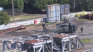國軍阿帕契、黑鷹戰備補給操演 模擬反登陸 裝甲車、火炮藏村落待命