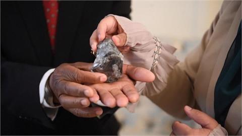 南非39.3克拉巨大藍色鑽石 逾4000萬美元售出