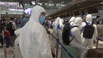 錢「泰」難賺!疫情延燒 泰國6萬移工返鄉避難