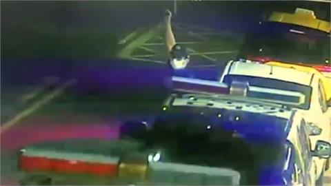 擦撞糾紛變街頭追逐! 警連開6槍嫌犯仍逃逸
