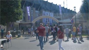 須全程佩戴口罩!比利時甲級足球賽開放6千球迷進場