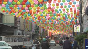斗六太平老街高掛3千彩繪燈籠  紅綠燈藏其中用路人「看嘸」