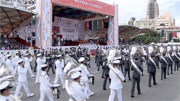 台灣21位防疫英雄國慶領唱國歌柚子醫生笑說:狂練唱被女兒嫌煩