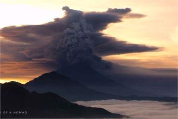 印尼阿貢火山最高級警戒 10萬居民急撤