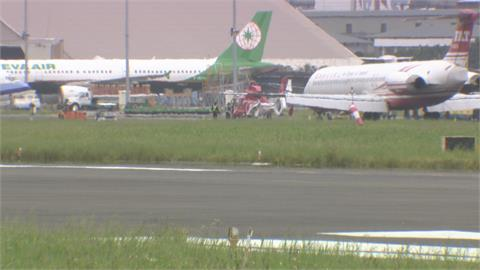 空勤總隊直升機訓練返航撞壞落地燈 松機關場15分鐘