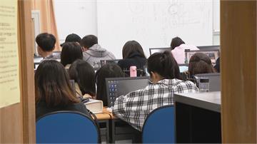 遲交作業!文化新聞系祭罰款取代罰寫 教部認定:違反行政指導