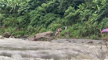 驚險!大豹溪山洪暴發 23人險遭惡水沖走