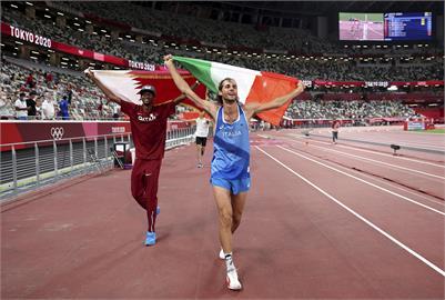 東奧/「可以一起得金牌嗎?」男跳高共同摘金 創奧運田徑百年首例
