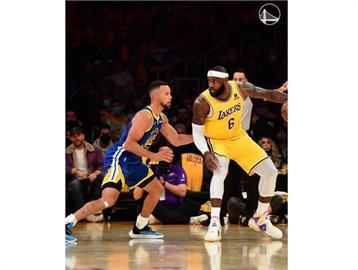 NBA/柯瑞開幕戰飆大三元 勇士開幕戰逆轉勝湖人