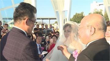 水晶教堂首場婚禮!癌末新娘浪漫完婚