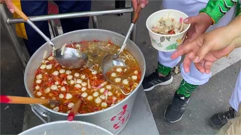迎王就是霸氣 超豪邁「螃蟹飯湯」曝光