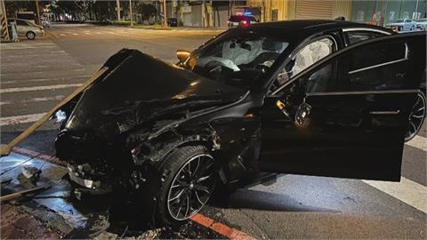 酒駕上路「撞」況多! 肇事駕駛撞警車又衝餐廳