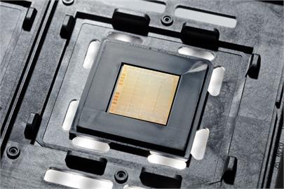 IBM發表全球首創2奈米晶片製程 計算速度大幅加快