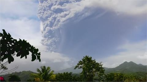 聖文森火山噴發 火山灰雲竄天 急撤居民