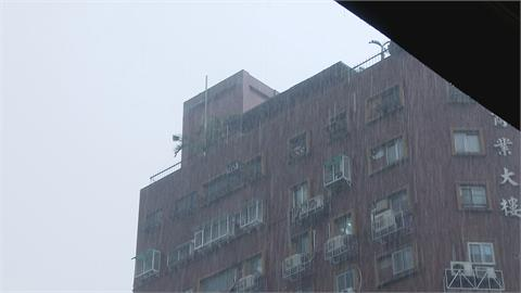 梅雨鋒面滯留、西南風增強 ... 台南、高雄、屏東發大豪雨特報