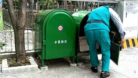 郵筒沒有投遞孔 網友:要按電鈴、講芝麻開門才會打開 內行人曝這是郵差專用的郵件儲存箱