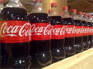 快新聞/面臨後疫情市場轉型 可口可樂將裁員2200人