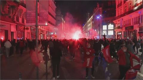 里爾睽違10年再奪法甲冠軍 數千球迷街頭狂歡慶祝封王時刻