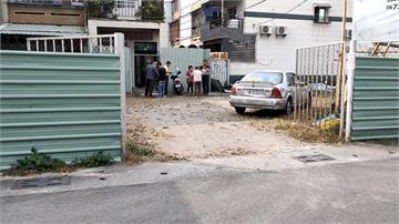 地主賣地封道阻路 2住戶門前遭圍難出入