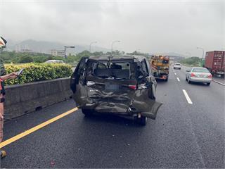 快新聞/國三南下軍用休旅車與小貨車追撞 2車7人送醫