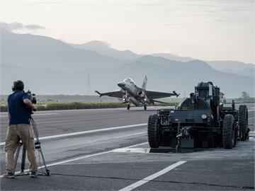 快新聞/預算上限2400億! 政院拍板「海空戰力提升計畫採購特別條例」