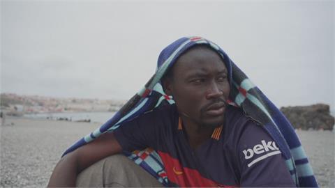 摩洛哥半夜放8千難民游泳偷渡 領土之爭報復西班牙?