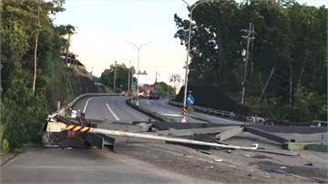 曳引車載鋼樑「橫掃」 路燈鋼梁掉落、電桿斷裂「通行受阻」