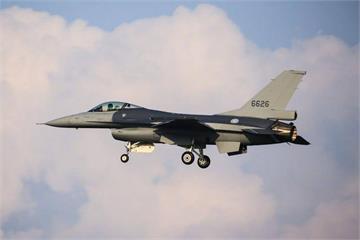 快訊/F-16V軍購2472億特別預算 立法院今三讀通過