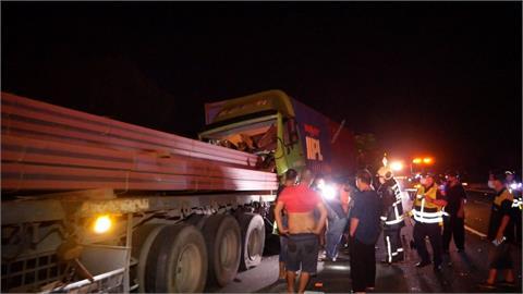 國三184公里北上龍井路段 三大型車追撞釀2傷