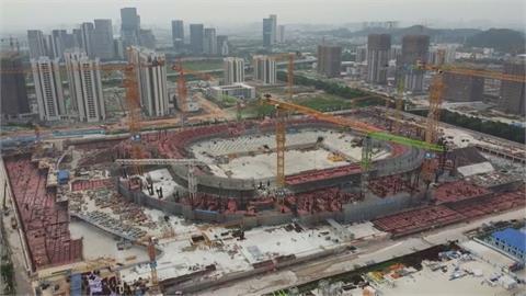 恆大危機愈滾愈大 世界最大足球場成爛尾樓?