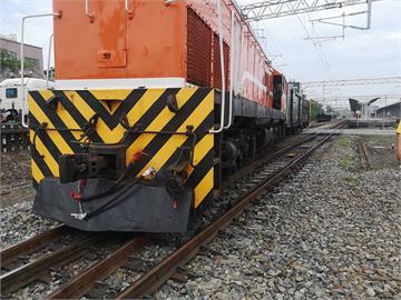 快新聞/台鐵貨物列車成功站調車擠壞19號轉轍器 新烏日至彰化站間雙向列車延誤