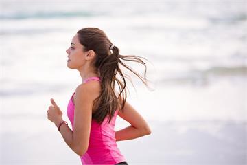 挑對時機跑步,體脂掉更快!日本馬拉松選手教你,這個時間點鏟肉最有效!