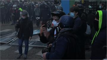 巴黎警毆非裔音樂製作人 法街頭示威反警暴