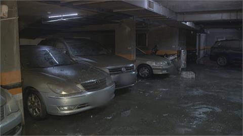 信義區下大雨 山區泥水傾瀉.大排滿水淹街道