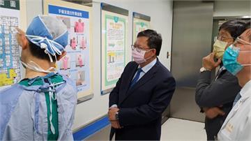 為第一線防疫人員加油!鄭文燦赴林口長庚慰問醫護